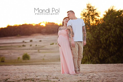 maternity portraits in pink gown