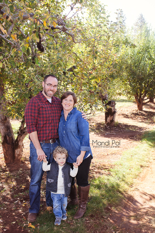 family-portraits-in-apple-hill-2-of-9